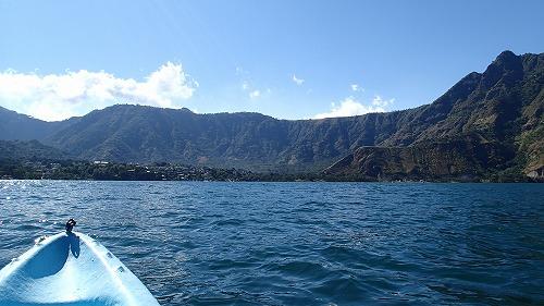 s-アティトラン湖でカヌー (3)
