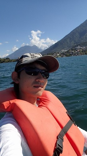 s-アティトラン湖でカヌー (4)