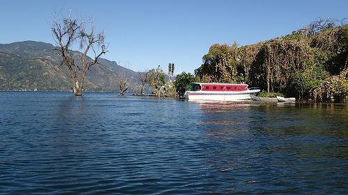 s-アティトラン湖でカヌー (8)