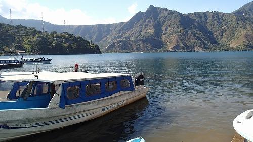 s-アティトラン湖でカヌー (10)