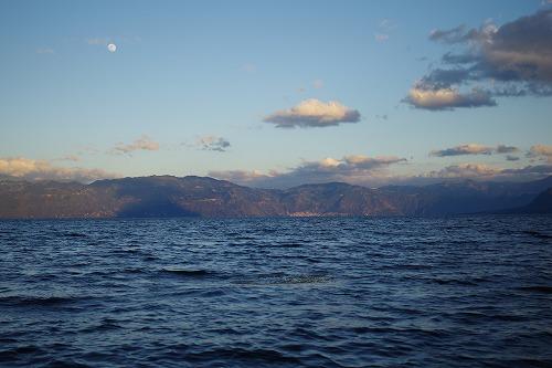 s-アティトラン湖で夕日 (3)