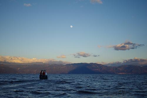 s-アティトラン湖で夕日 (5)