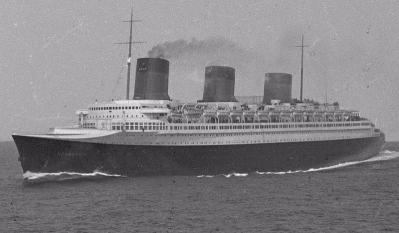 800px-SS_Normandie_at_sea_01.jpg