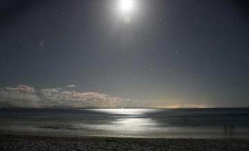 海 夜 月