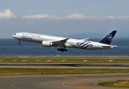 大韓航空 777-300 スカイチーム塗装 3