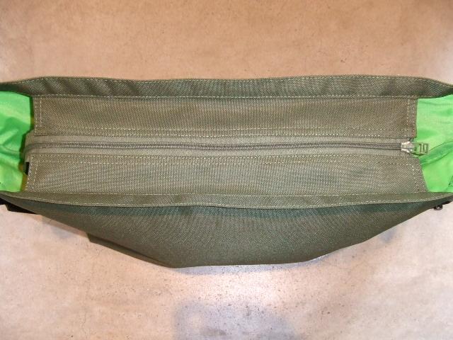 MDY SHOULDER BAG OLIVE ZIP