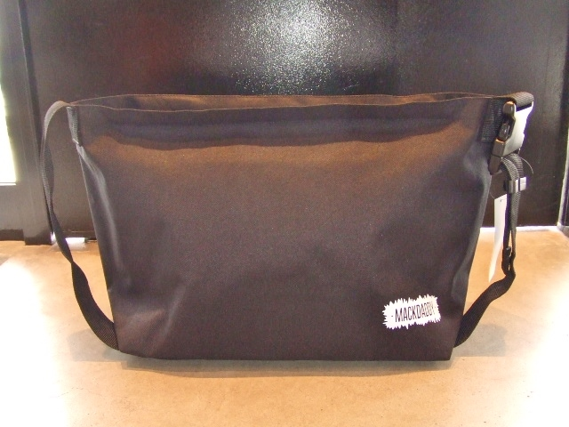 MDY SHOULDER BAG BLACK FT