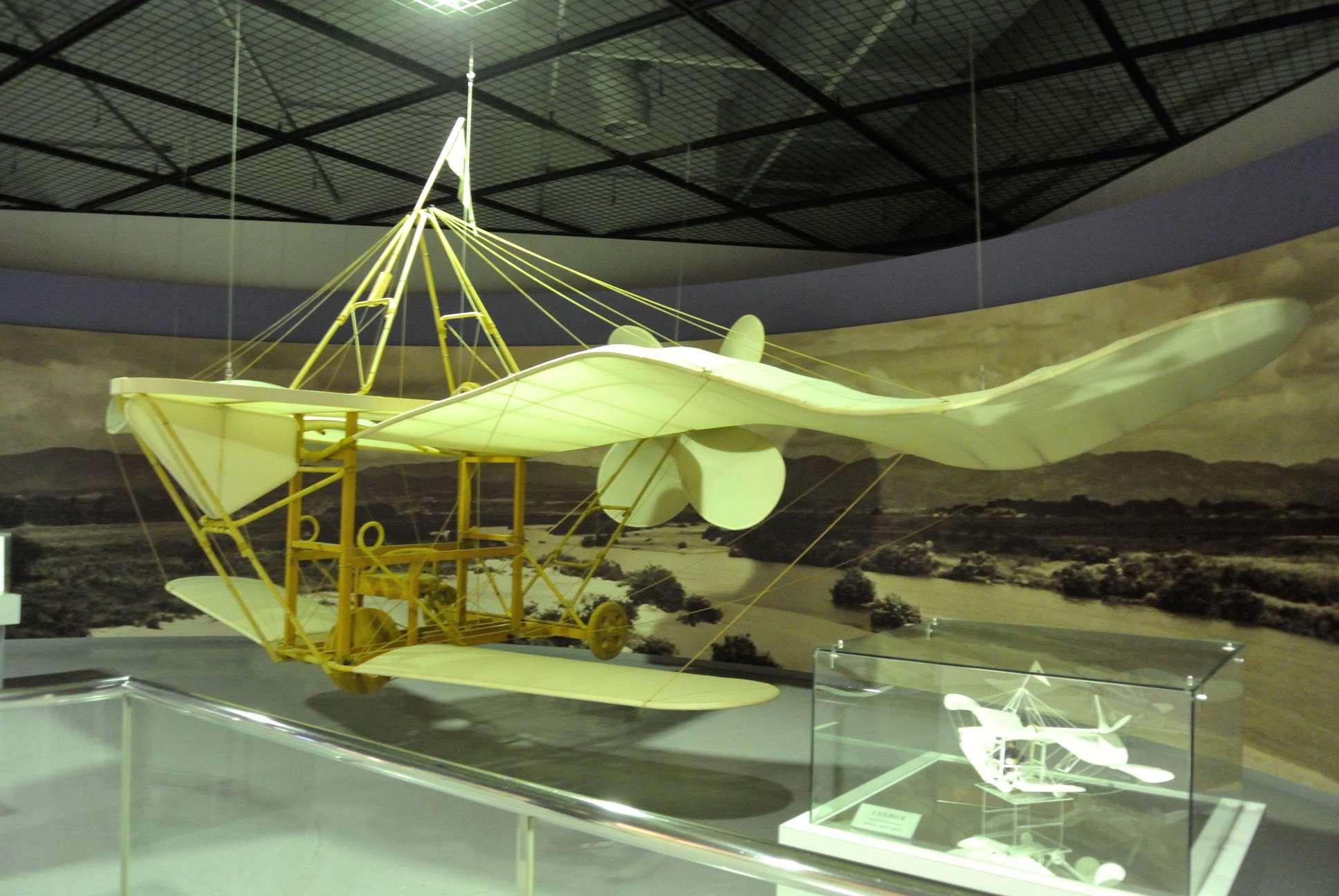 玉虫型飛行機(復元模型)