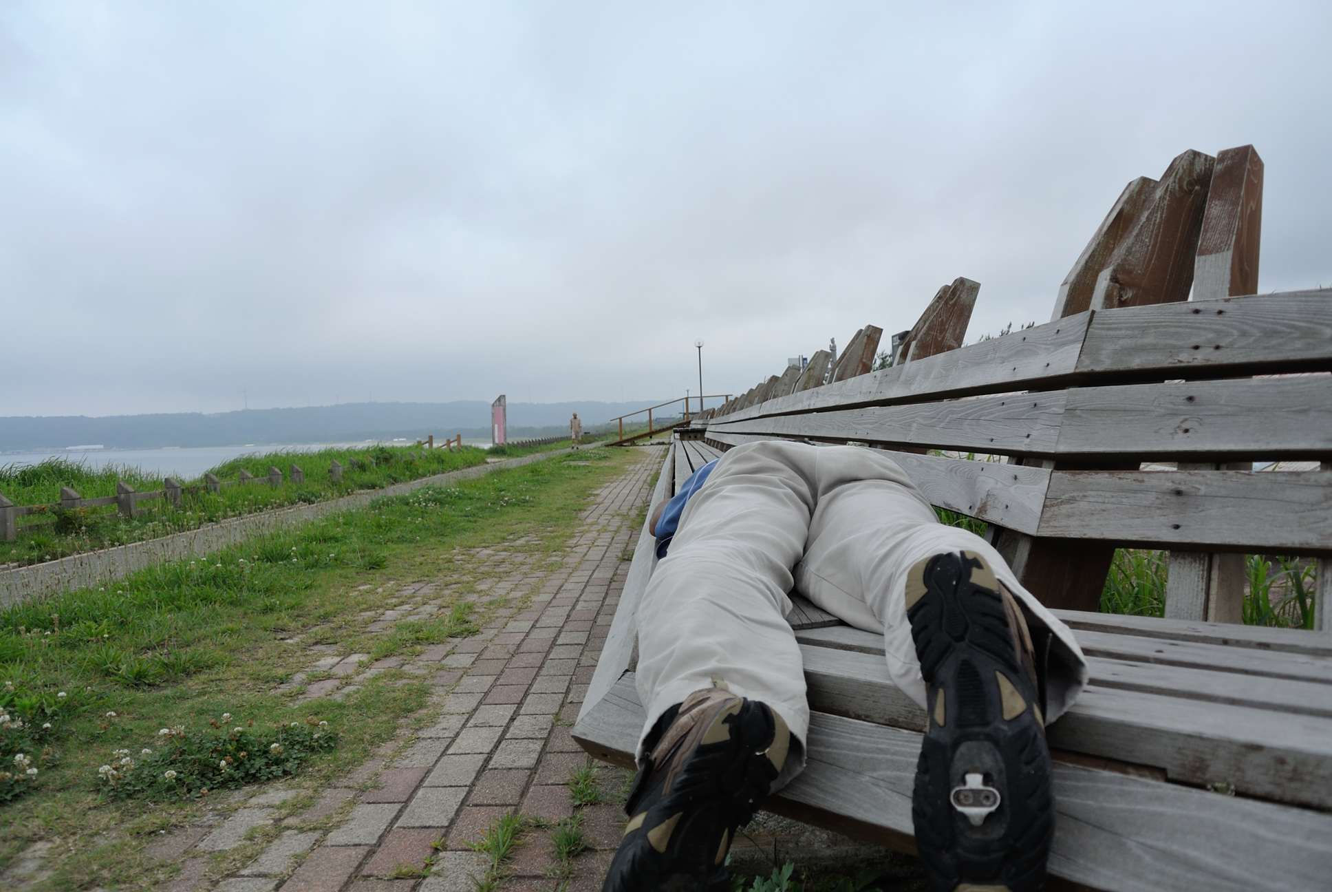 世界一長いベンチで記念撮影_テイク2