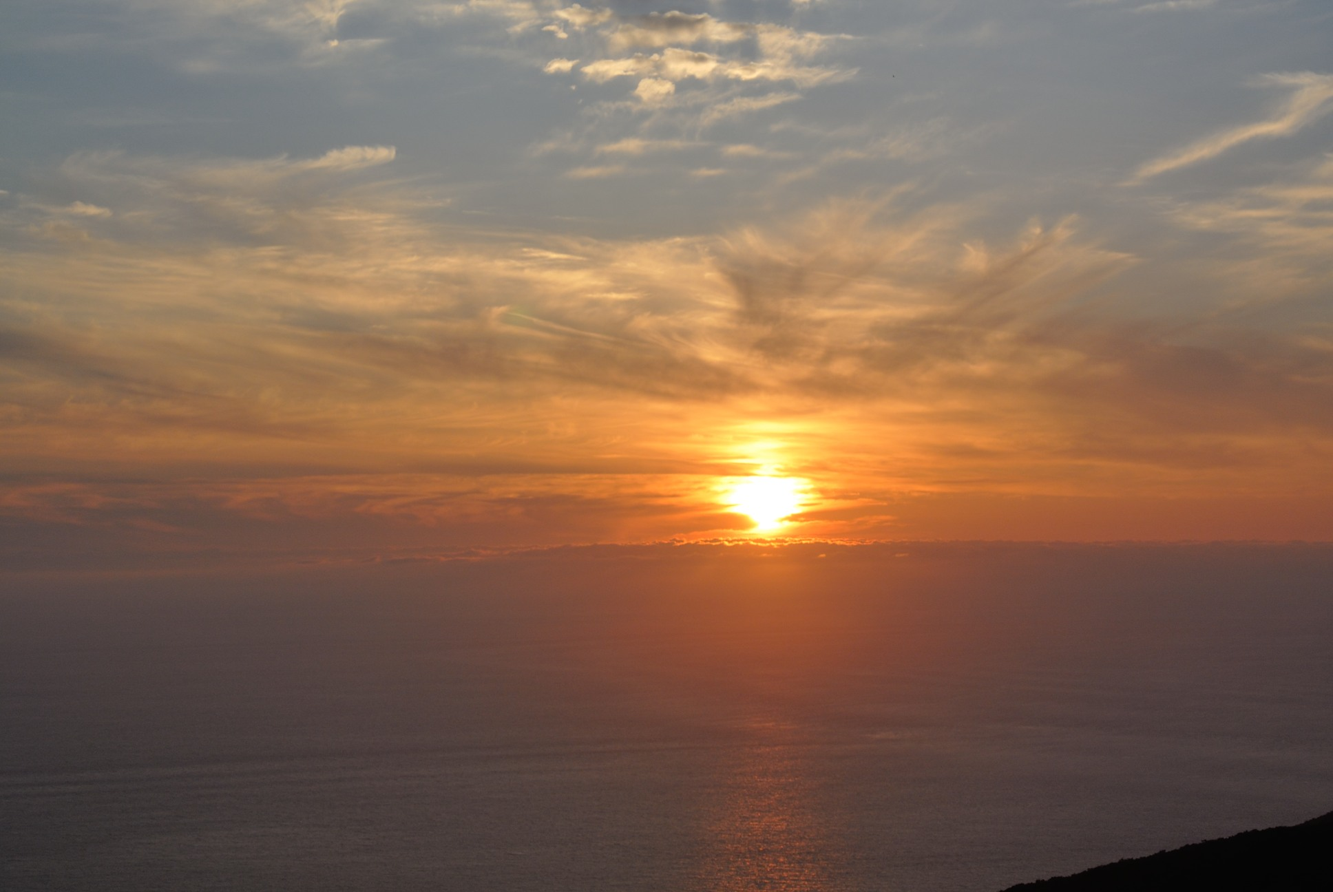津軽海峡近くの眺望台からの夕焼け