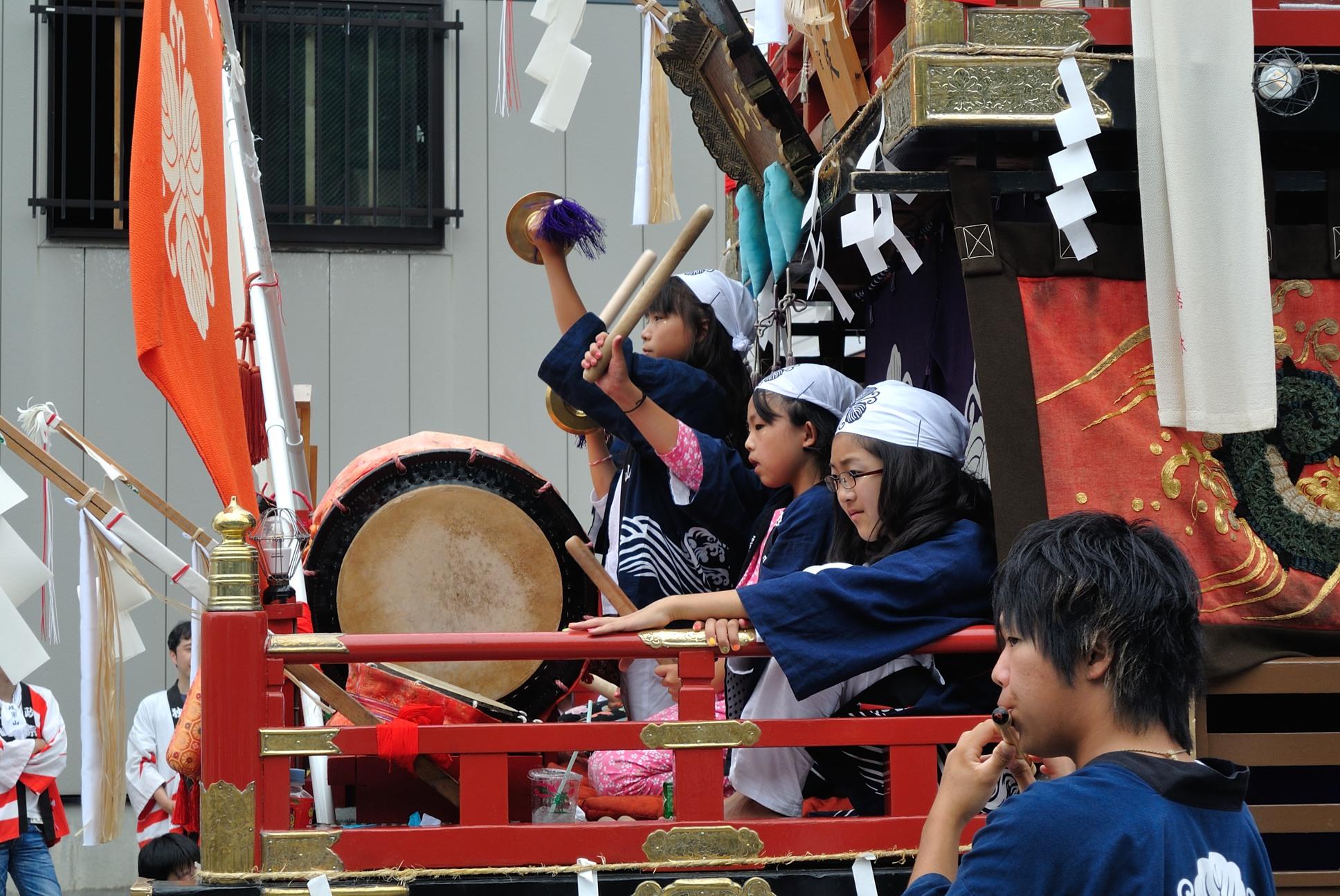姥神大神宮の祭りは子供が主役2