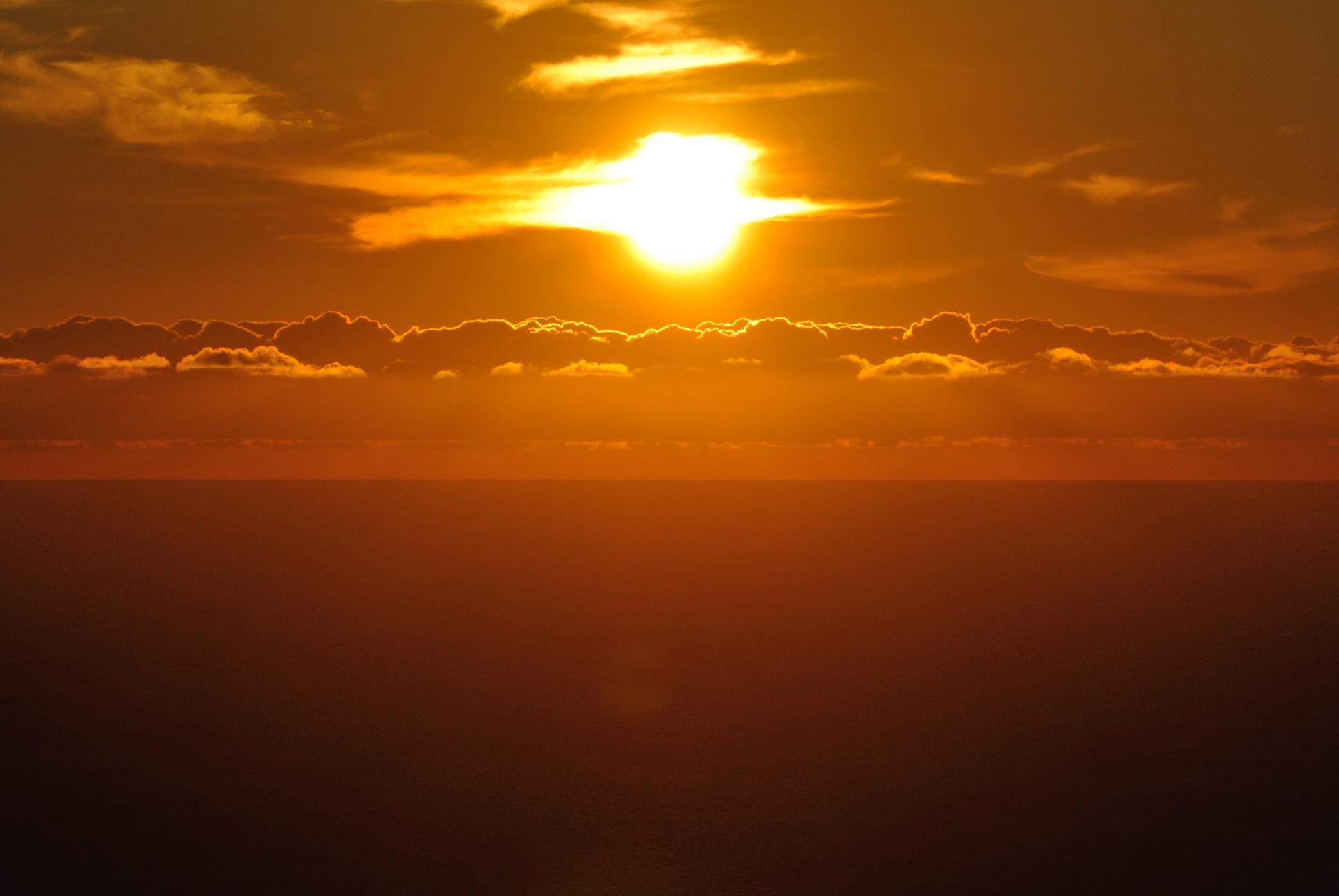 利尻見返り台地展望台からの夕日