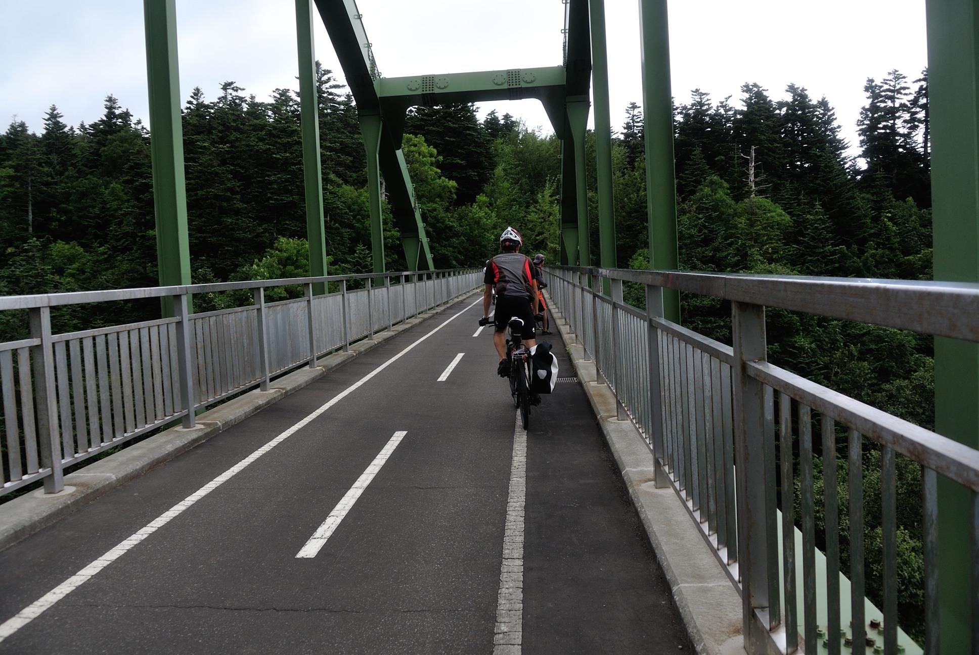 自転車専用道路の橋1
