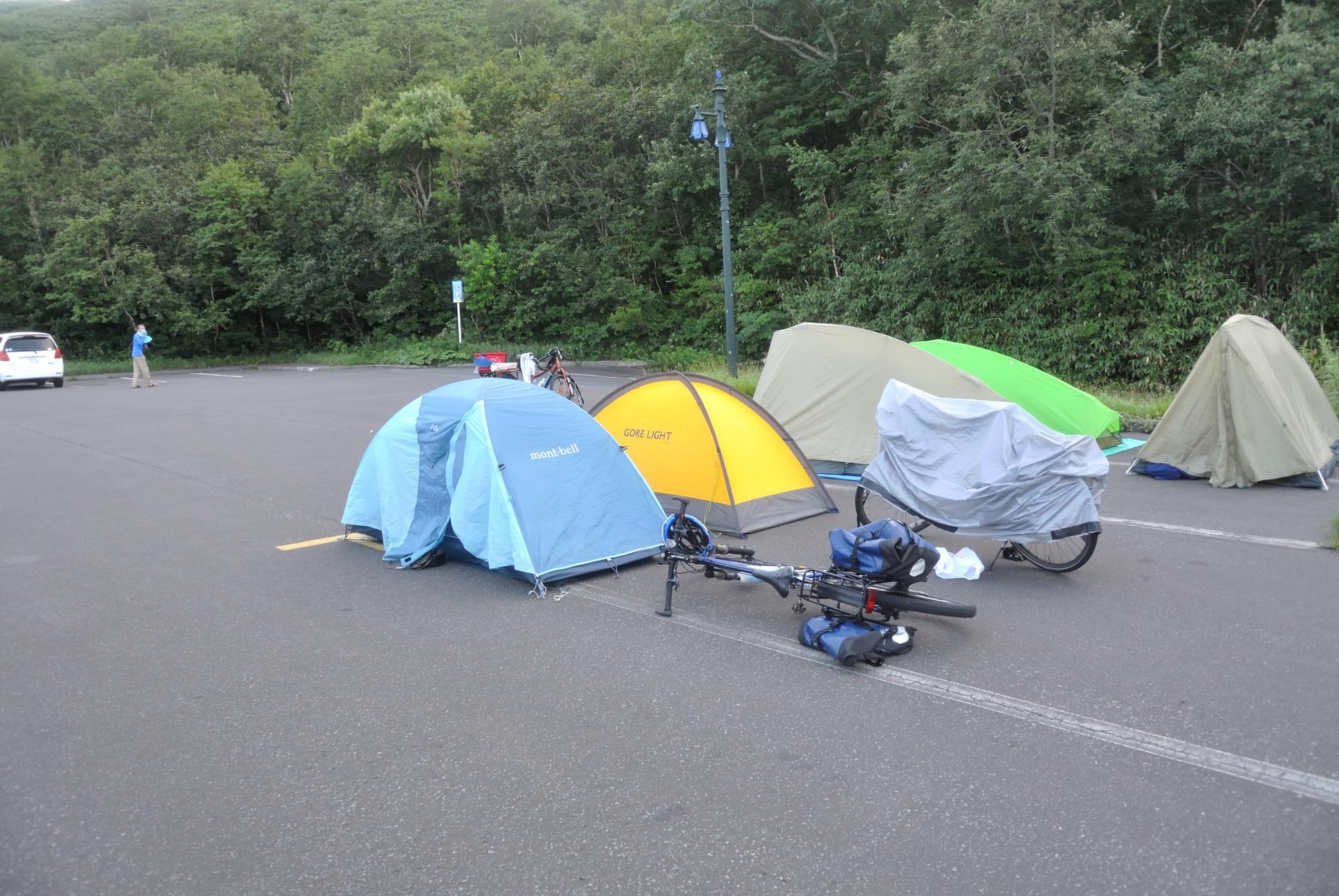 見返り展望台に突如現れたキャンプサイト
