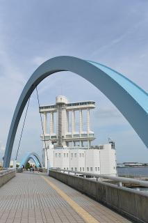 ポートブリッジとポートビル