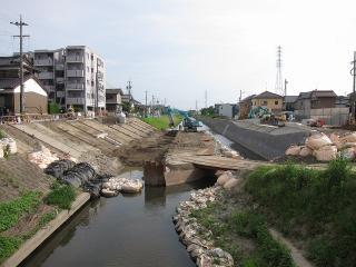 稲荷橋の架け替え工事