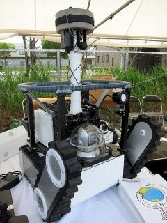 トピー工業 小型移動探査ロボット