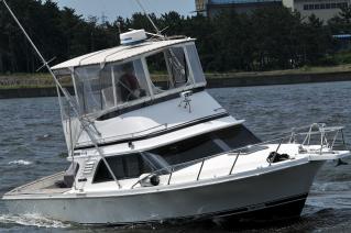 プレジャーボート ブラックフィン