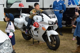 愛知県警 白バイ ホンダVFR800P