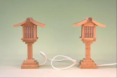 神前灯籠は木製が素敵