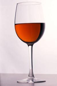 Kir_cocktail.jpg