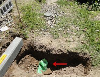 暗渠配水ではなくガス管が