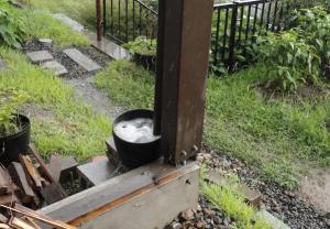 雨樋と雨水受け桶