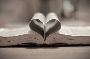 pages-of-bible-form-a-heart2.jpg