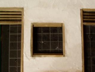 窓枠と敷居とか入れる