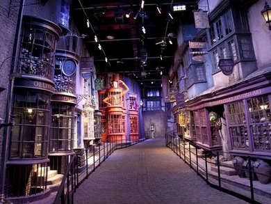 harry-potter-tour-diagon-alley-1333021609-view-002.jpg