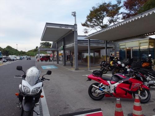 MX1_0602_R.jpg
