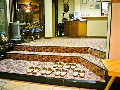 ホテルフロント前階段