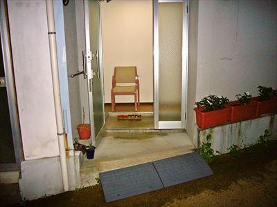 離れ家族風呂付き和洋室入り口