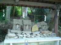 桃太郎の墓2