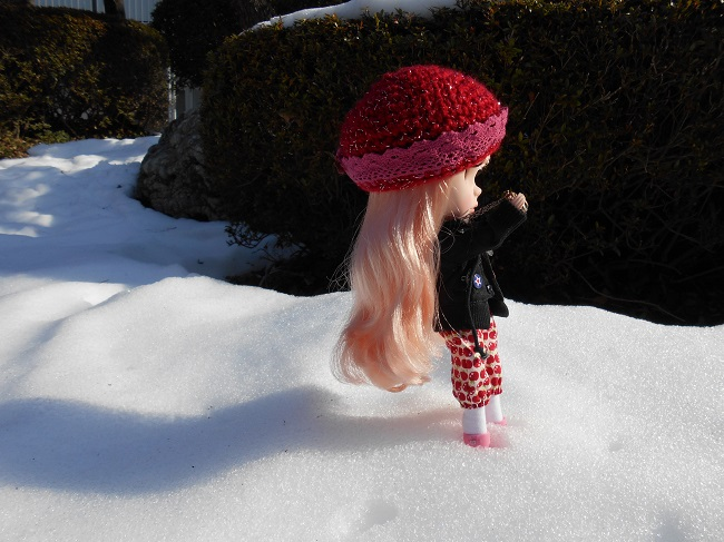 1 Yume taking pic in snow