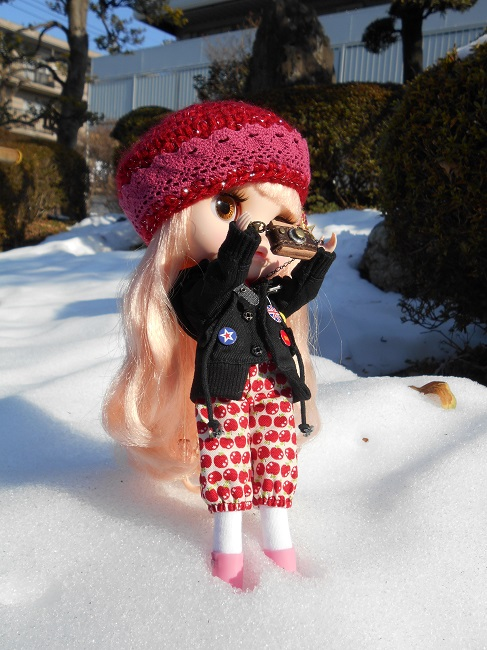 6 Yume taking pic in snow