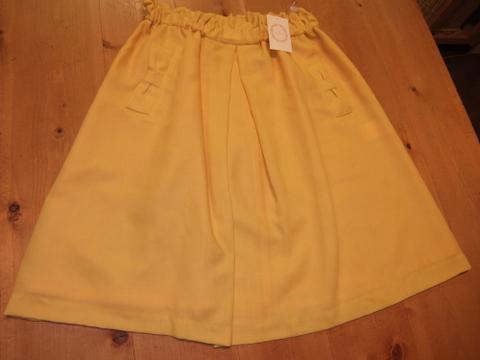 黄スカート