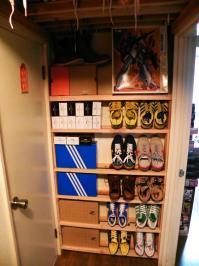 レッドウィング、ダナー、スニーカー、何でもOK!廊下にあったデッドスペース奥行き13cmの狭小スペースを利用して、シューズラックを自作