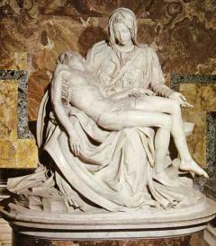 ミケランジェロのピエタ像 たしかにマリアの表情に幼さが残るような