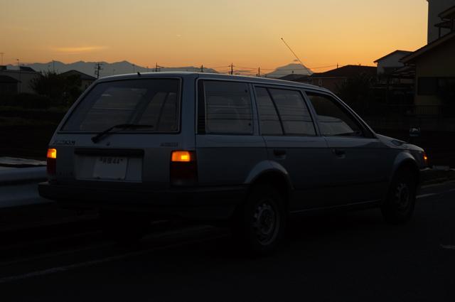 ファミリアバンと富士山と夕焼け