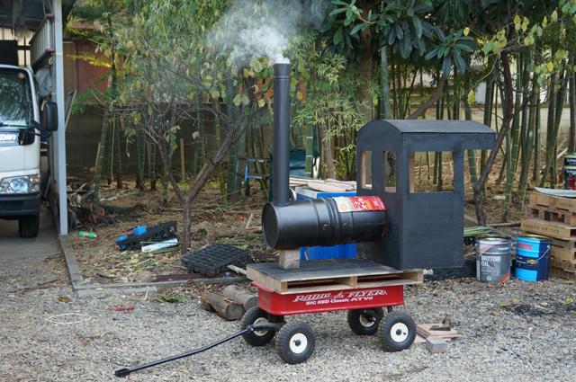 取敢えずほぼ完成 汽車焼芋 ロケットストーブ変種 ペール缶焼芋機 機関車焼芋機