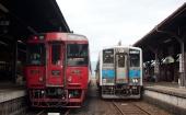 九州横断特急4号と1252D(人吉駅)