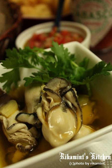 IMG_2.9牡蠣のタバスコオイル漬け (2)