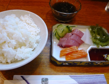 奈美ちゃん:エビフライ定食2