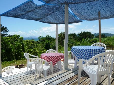 島のレストラン:テラス席