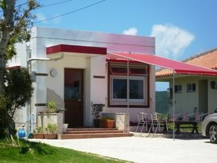 BOBOS HOUSE:向かい側のイタリコ