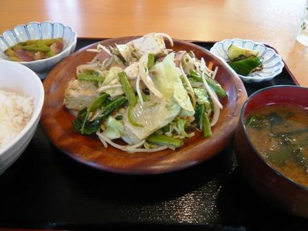 榮家(エーマ):野菜炒め定食