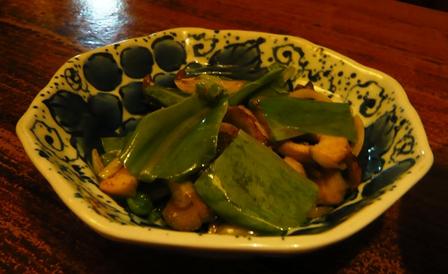一龍:オオタニワタリとタカセガイの炒め物