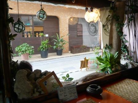 タコライスカフェ ビーチ:店内1
