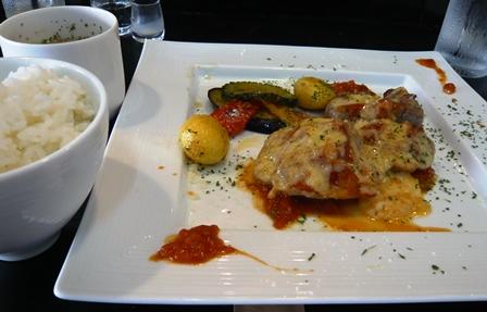 カフェモントゥ:豚ヒレ肉のトマトチーズ焼き